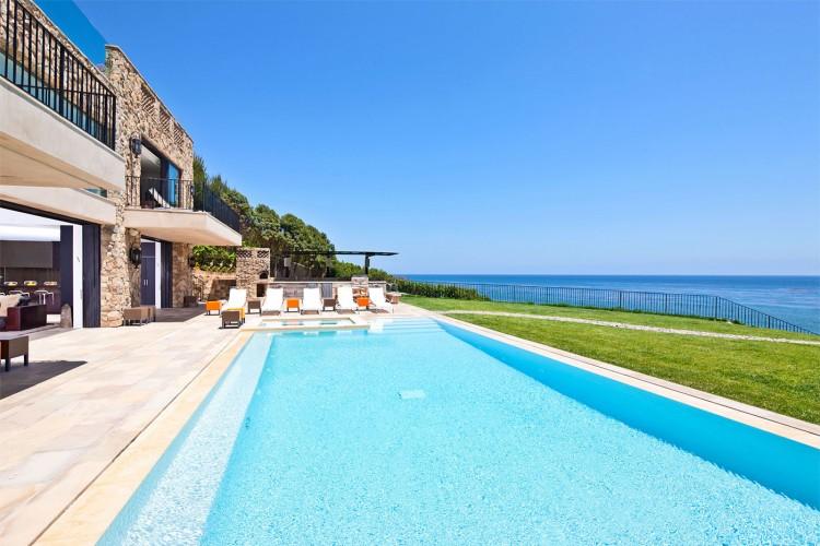 26-Million-House-for-Sale-on-Malibu-Beach-9